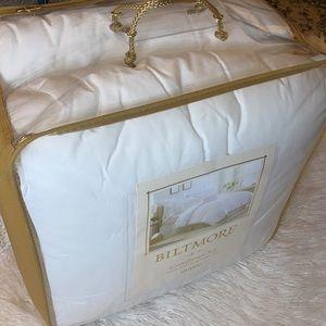 Biltmore Queen Comforter Set NWT